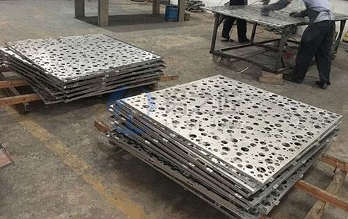 乱孔铝单板定制